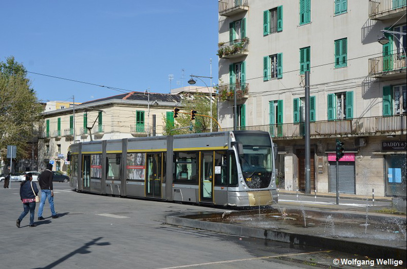 Messina-Tram-0010-2016-04-17-Cairoli.jpg