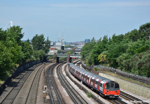 London Underground, 96033, Dollis Hill