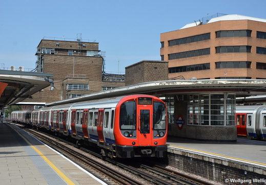 London Underground, 21102, Harrow-on-the-Hill